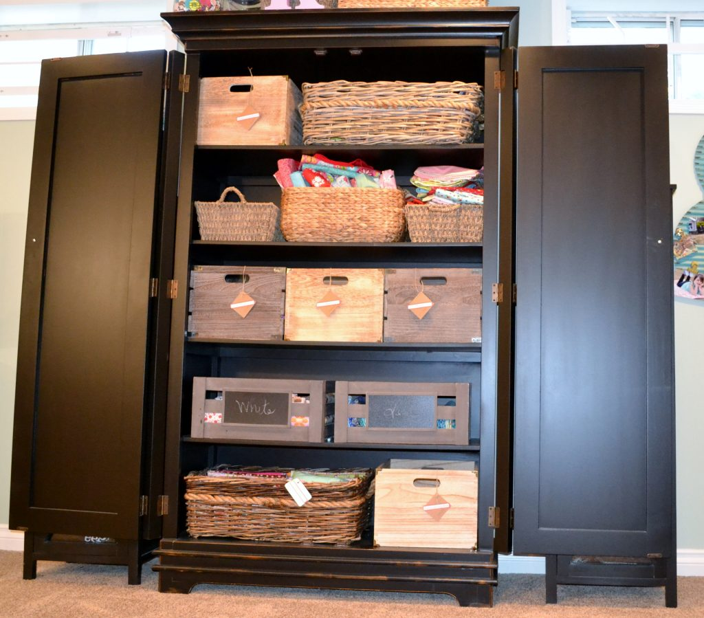 How to store your Quilting Fabric Stash, Fat Quarters and Quilting ... : how to store quilting fabric - Adamdwight.com